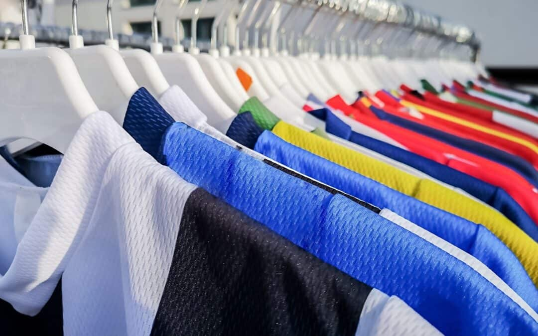 Como lavar camisa de time